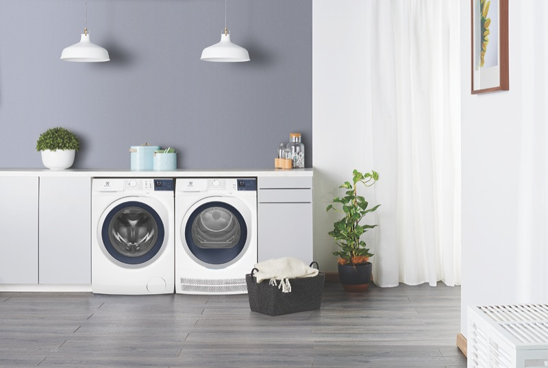 Electrolux 7.5kg Front Load Washer EWF7524CDWA