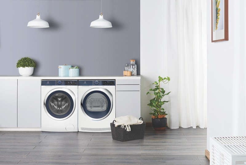 Electrolux 9kg Front Load Washer EWF9043BDWA