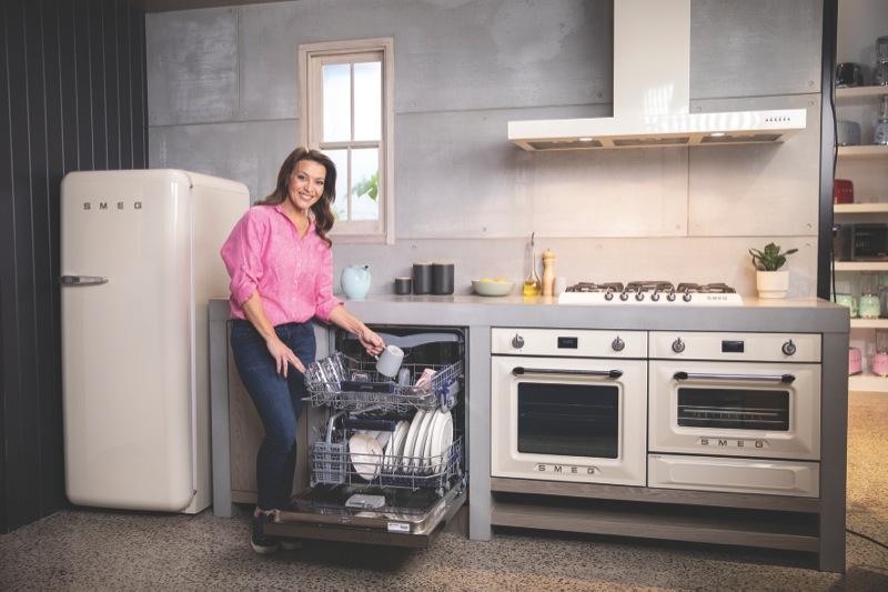 Smeg 60cm Stainless steel underbench dishwasher DWAU6315X2