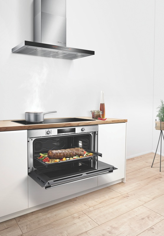 Bosch 90cm Built-In Pyrolytic Oven - Stainless Steel VBC578FS0