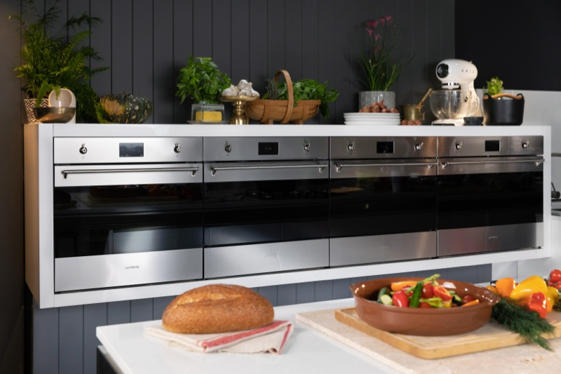 Smeg 60cm Built-In Pyrolytic Oven - Stainless Steel SFPA6303TPX