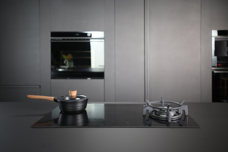 Fisher & Paykel 90cm Integrated Rangehood - Stainless Steel & Glass HP90IDCHEX3